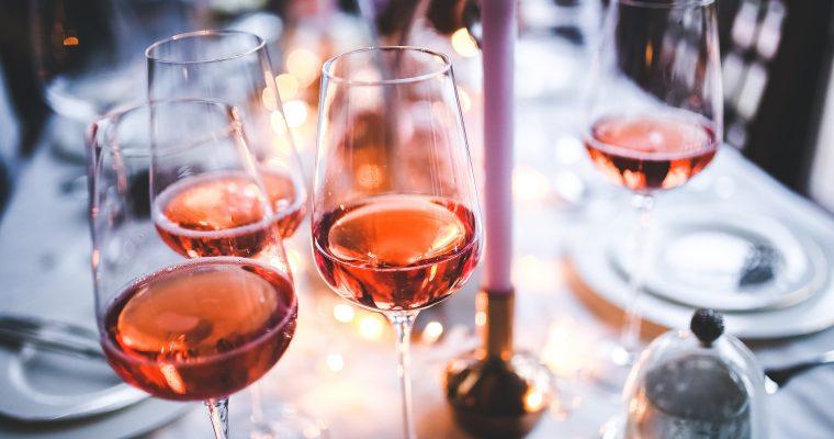 Rhabarber-Weinschorle