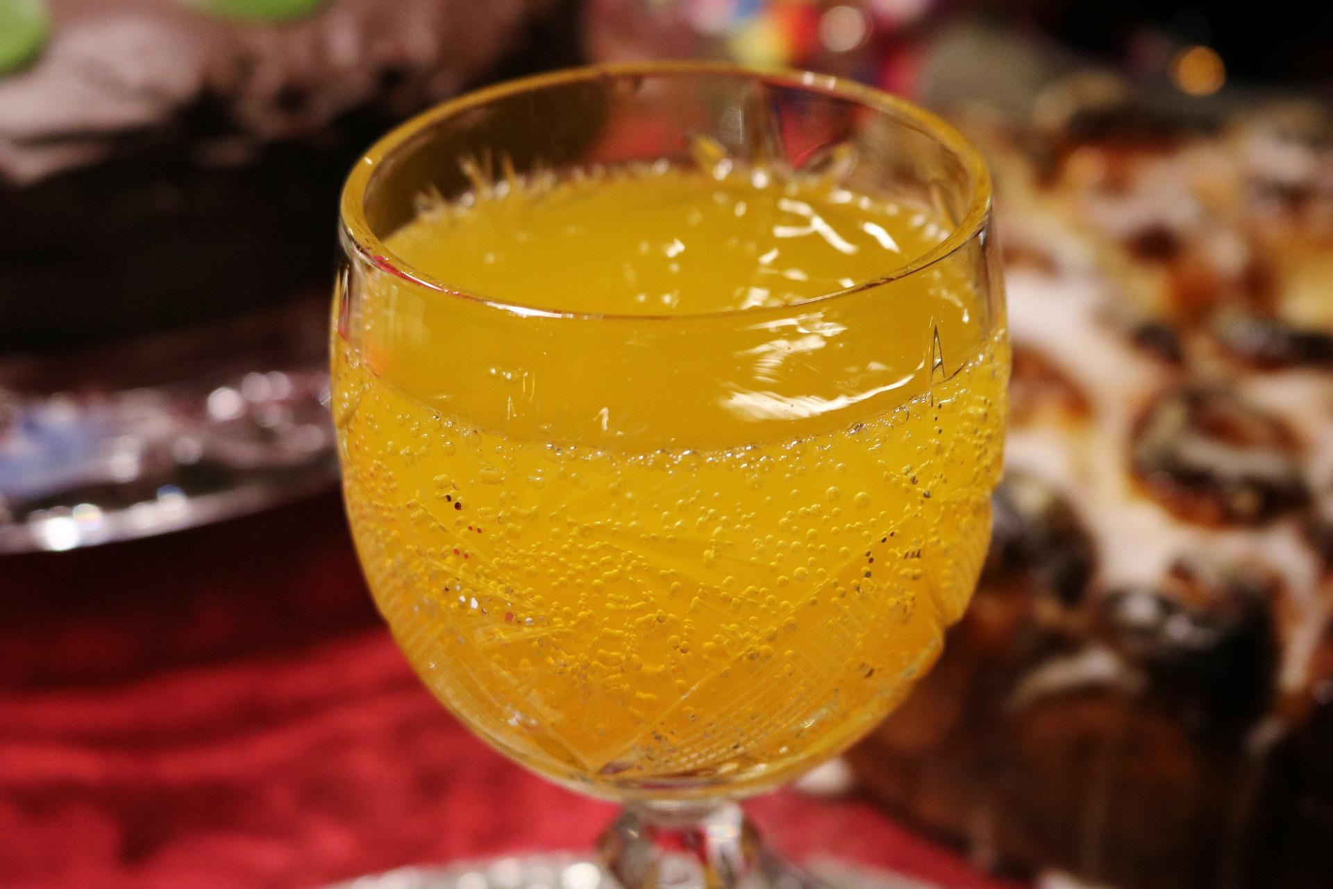 Exotischer Champagner-Cocktail